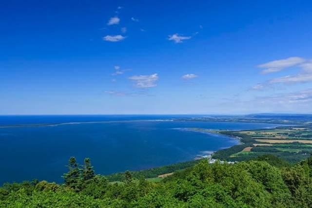 展望台からサロマ湖を一望「サロマンブルー」と言われています(^^)