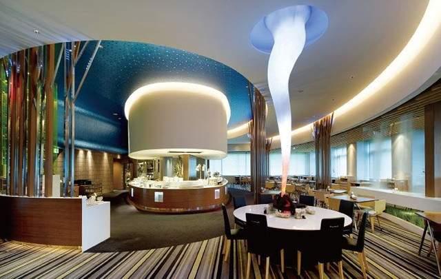リゾート感満載のレストラン