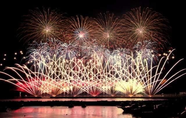 熱海の夜を彩る花火大会